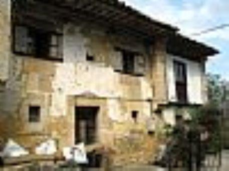 Conjunto de casas para rehabilitar llanes for Rehabilitar casa